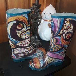 Rain boots size 6-7